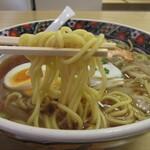 丸山ちゃんぽん - ストレート丸麺