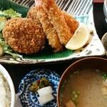 猫丸食堂 - 料理写真:猫丸メンチカツ&海老フライ