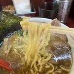 麺一盃 - 麺は中太ちぢれ麺
