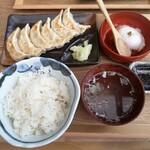 肉汁餃子のダンダダン - 肉汁焼餃子定食
