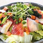 朝獲れ鮮魚 魚鮮水産 - オリジナルの海鮮創作メニューをご堪能下さい。
