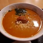 横浜大唐 - 料理写真:担々麺と餃子のセット(680円) 担々麺 ※日替り