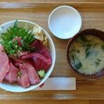 本鮪丼なかばやし - 料理写真:本鮪丼(大盛)