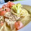 ラ ミシェル - 料理写真:スモークチキンとブロッコリーのカレークリーム。 生パスタはソースによく馴染みます。