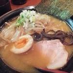 麺屋 かめせん - 味噌とんこつラーメン(650円)。