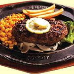 ウッディ - 料理写真:但馬牛をふんだんに使用した自慢のハンバーグ