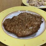 鼎泰豊 - パイクー(豚肉の香り揚げ) 875円