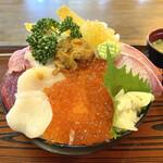 伊澤家 - ・豪華海鮮丼 ドーム盛り 2,200円/税込