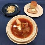 ろしあ亭 - ボルシチ、サラダ、自家製パン