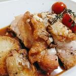 ヒナタ カフェ - 鶏もも肉横