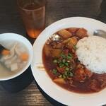 粤港美食 - 牛バラと大根のうま煮ごはんとスープ¥935-