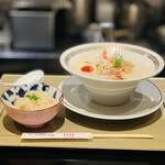 鯛白湯らーめん ○de▽ - 料理写真:お料理