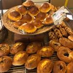 とも麦 - 料理写真:パン