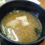 ばんちゃ屋 - 「チキンカツ定食」味噌汁