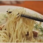 鳥料理 有明 - ヤワめな麺