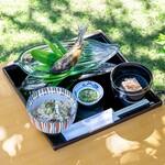 和食 花の茶屋 - 【数量限定】天然鮎の塩焼きと鮎飯 吸物 三品 1800円(税)