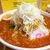 太龍 - 料理写真:高く盛られたもやしと刻み白ねぎ。大振りな肉が、赤褐色のスープに隠れる