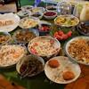 ブルーナイト - 料理写真:バイキングスタイルのモーニングサービス 全ての皿に箸かスプーン、挟む器具が欲しい!