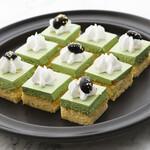 神戸クック・ワールドビュッフェ - 『抹茶クリームのショートケーキ』ふんわりとしたスポンジに甘さをおさえた抹茶クリームをトッピング♪
