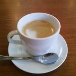 ココス - コーヒーマシンもいい感じ