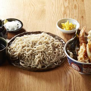 《丼セット》ボリューム満点◎蕎麦と丼のセットは食べ応え抜群!