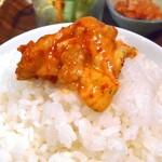 コッテジ - 石焼チーズタッカルビをご飯にかけて