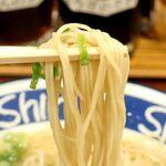 152458211 - 20210603博多ShinShinらーめん・麺リフト