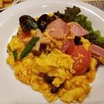中國菜 心香 - ベーコンとトマト ふわふわ卵の炒め。