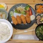 サケトサカナ - プリプリ!!カキフライ定食