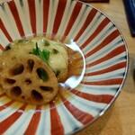 季節料理 あまね - 蕨の薩摩揚げ・蓮根・いんげんの餡掛け