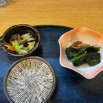 東家 - 小鉢と漬物