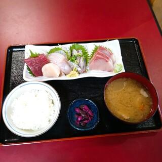 鈴女 - 料理写真:おまかせ刺身 5種類盛合せ定食