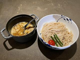 名前のないラーメン屋 - つけ麺(重層スープ) もつトッピング 1.5玉