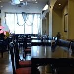 Suzuya - ◆2階店内◆♪  パ―テションで仕切られ  1席開け余裕を持って案内されていました♪