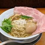 煮干し豚骨らーめん専門店 六郷 - 料理写真:特製濃厚煮干し豚骨
