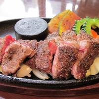 ヌーベル クアトロ - メガネ肉のステーキ♪柔らかく、お子様にも大人気!