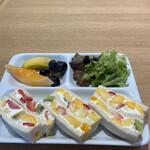 果実園 リーベル - ★フルーツサンド  ドリンクバー付き ¥1,020(税込)