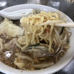 Kiraku - 太めの麺