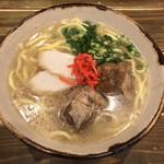 沖縄料理と島酒 星屑亭 - ソーキそば