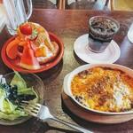 ジュリエ - 料理写真:ミートドリア&フルーツクロワッサン set!見よ!メインに勝るとも劣らないデザートの存在感を!
