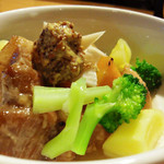 FOODING BAR R - 豚ばら肉のビール煮込み