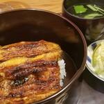 152540993 - ⑮鰻重(静岡県浜名湖産)                       ⑯肝吸い、三つ葉                       さっぱりとした軽めで優しい味わいのお出汁、臭みを感じない肝、定番だからこそ納得する仕上がりです                       セットで撮った写真しか無かった