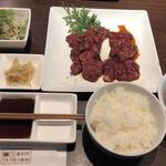 肉の宴 泰平門 - 料理写真:
