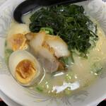 ラーメン大王 - 料理写真:ラーメン+煮玉子+わかめ