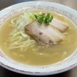 喜多方食堂 - 【再訪】ニンニク香る塩ラーメン(期間限定)