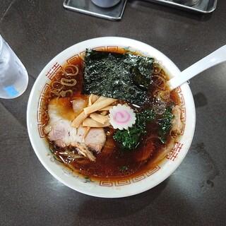 青島食堂 - 料理写真:青島ラーメン 800円