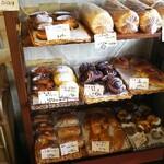 comme,pissenlit,WAKA - 料理写真:店内①右下にプリンパン