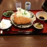 15258596 - 特厚ロースカツ定食:1300円