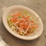 シンガポール海南鶏飯 - 海南鶏飯セット(1,400円)のサラダ2021年6月