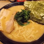 革麺家 - 料理写真:醤油 中太麺 大盛り